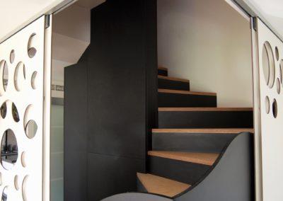 Escalier multifonctions par le faiseur de Choses, Architecte d'intérieur UFDI, à Lanester 56 : Deux coulissants ouverts.