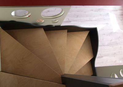 Escalier multifonctions par le faiseur de Choses, Architecte d'intérieur UFDI, à Lanester 56 : Vue de l'étage.
