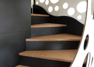 Escalier multifonctions par le faiseur de Choses, Architecte d'intérieur UFDI, à Lanester 56 : Détails des marches.