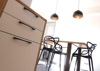 Cuisine Design à Quimperlé 29, par le faiseur de Choses, Architecte d'intérieur UFDI : un espace lumineux et pratique.