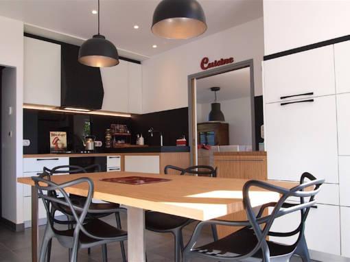 Cuisine design, blanche et noire à Quimperlé 29